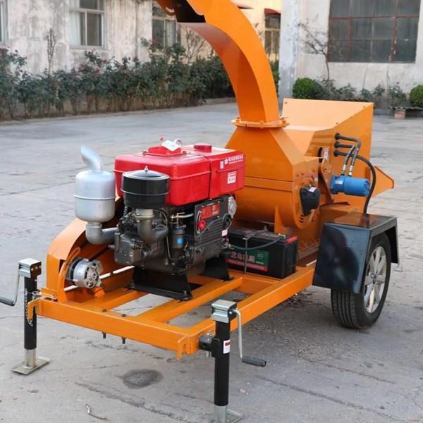 移动树枝粉碎机的使用方法
